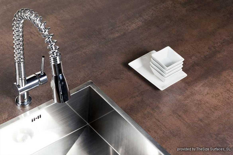 Küchenarbeitsplatte in Braun von Valente