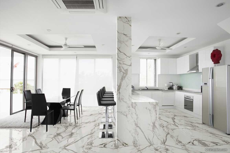 Edle Dekton Platten für die Küche und den Wohnbereich in Weiß von Cosentino