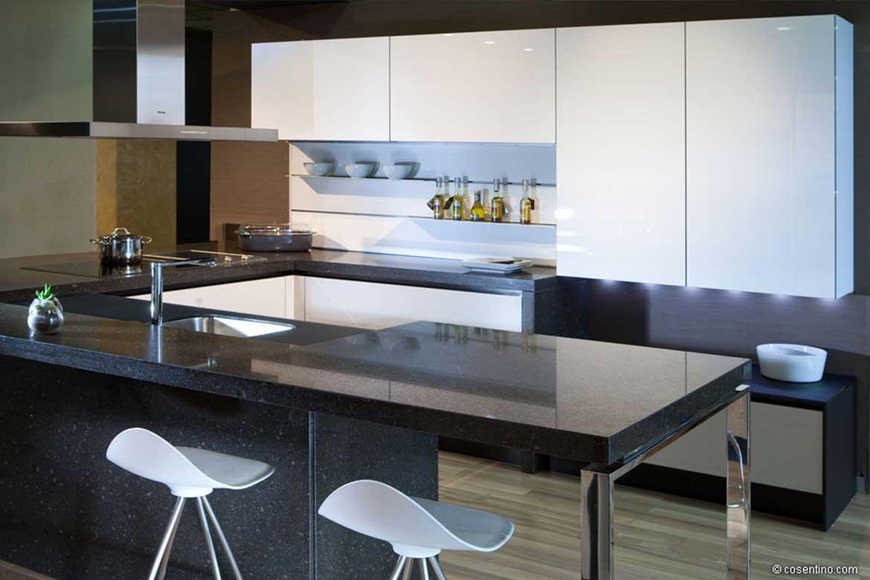 Schwarze Küchenarbeitsplatte aus Dekton