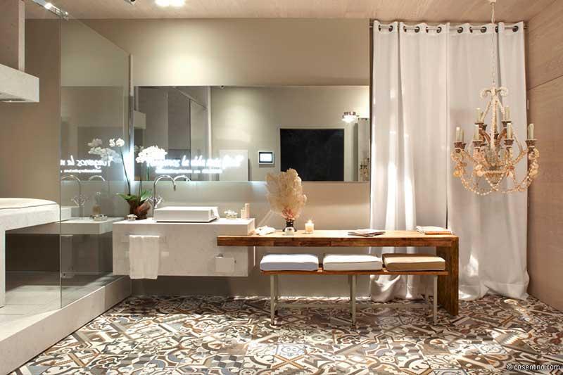 Helles Badezimmer mit Dekton Fliesen von Cosentino
